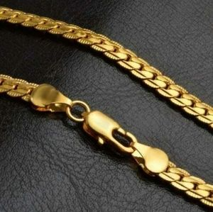 Gold 18kt plated braided detailed necklace
